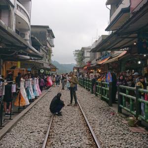 台湾旅行⑪ランタン上げの街 十分(シーフェン)