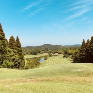 池が効いてるゴルフ場