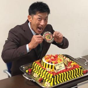 お誕生日おめでとうございます〜(((o(*゚▽゚*)o)))♡