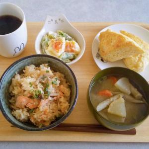 朝ごはん…**