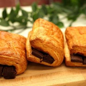 高級チョコデニッシュ💓新商品のご紹介 ♪ 横浜の美味しいパン かもめパンです(*^-^*)