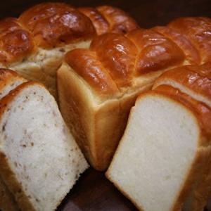 無添加『天然酵母食パン』『天然酵母ライ麦食パン』は横浜の美味しいパン かもめパンの人気商品です(*^▽^*)