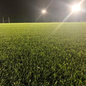 気温がぐっと下がって、サッカーの季節に