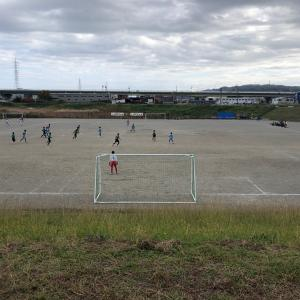 小学生サッカー  試合の最後まで走りきれない