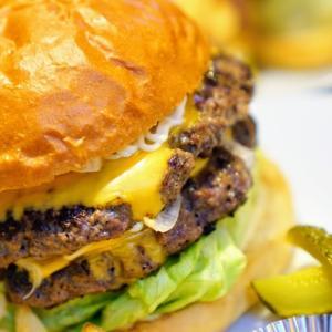 HUNGRYS|門司港で味わえるアメリカンなハンバーガーショップ!