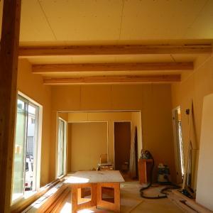 11/11(水)晴れ 1階の天井が完了