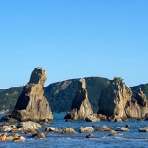 和歌山県の旅 ⑩/周参見で しらす丼:串本の橋杭岩