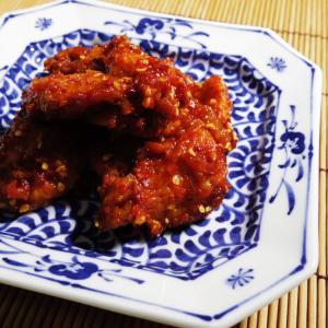 オデンポックムまたは、さつま揚げもしくはてんぷらと呼ばれる魚のすり身を油で―中略―の韓国風炒め。