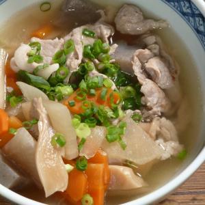 牛肉と大根のスープ(소고기무국)からの韓国風塩豚汁と、みかん亭の日常。
