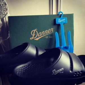 Danner(ダナー)のリラックスサンダルMIZUGUMO SLIDE(ミズグモ スライド)購入。