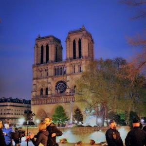 悲しすぎるパリ・ノートルダム寺院の火災