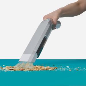 スリムで軽量な使いやすいハンディクリーナー