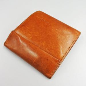 財布体積の断捨離。半年以上使ってわかった薄型財布のすばらしさ(妻)