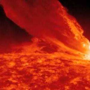 【速報】太陽フレア大爆発でヤバいらしい、、、