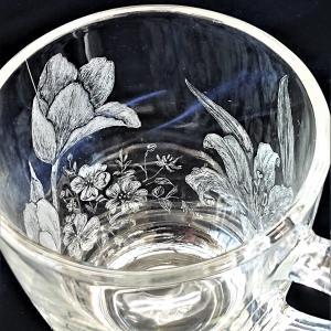 おとな可愛い! 花いっぱいのガラスマグカップ 【生徒さんの作品】197