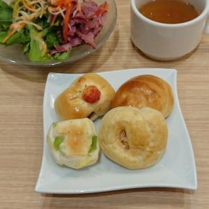【外食】パン食べ放題+パスタ+サラダ+スープ+ドリンクetc♪