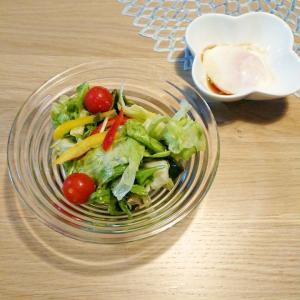 【晩ご飯】チョレギサラダ+ズッキーニのソテー+温泉卵♪