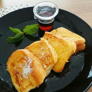 【おうちカフェ】ふわふわフレンチトースト&りんごのスムージー♪