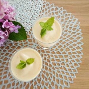 【おうちカフェ】セブンイレブンの冷凍アップルマンゴーでラッシー風スムージー♪