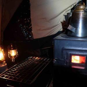 薪ストーブFIRE SIDEに今季初の火入れ&丸くて小さな湯たんぽデビュー ~もみぢの絨毯・微睡の森NAPi[5]~