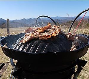 グルグルファイヤーSと相性ピッタリのBBQ鉄板はジンギスカン鍋 + サイト周りのギアたち ~今季初のツンデレ内山牧場⑧~