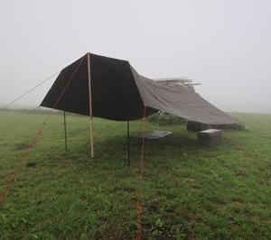 ミリタリータープ雨中の設営・ランクル70のリアを雨から守る小型タープのスランバージャック張~内山牧場レインキャンプ①~
