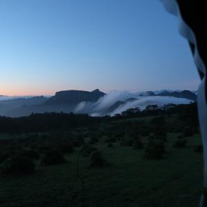 ツンデレフィールド・濃霧の前夜から絶景の雲海を見せてくれた撤収当日の朝~内山牧場レインキャンプ10~