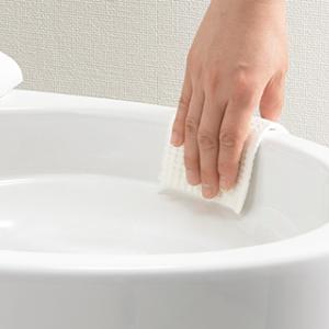 リクシルのアクアセラミックのトイレに使っていい洗剤と掃除方法。今度は黄ばみ発生…。