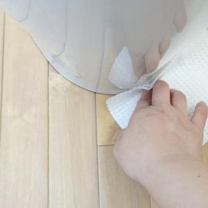 トイレシートが黄色に染まるんだわ。トイレの臭いが気になる時はここを掃除してみて。