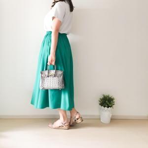 【DRESS掲載】UNIQLO定番商品「クルーネックT」1000円で大人細見えコーデが完成