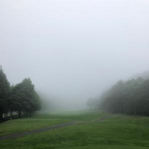 霧の中のゴルフ