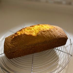 こ、こ、こんな時間にパウンドケーキ焼けました