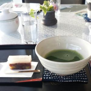 静かにお茶が飲みたい・・・河口湖美術館の「カフェ河口湖ビュー」