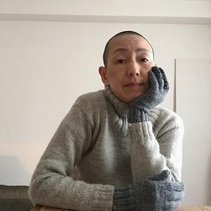 「ハッピー・プランツ」の残り糸で編んだ5本指手袋