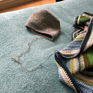 小物入れをブランケットに編み足す