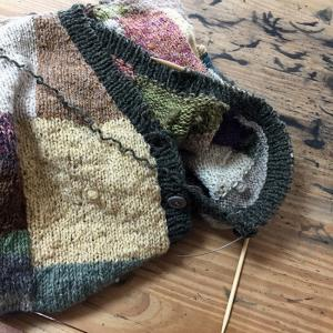 夏に向かうこの季節にウールのカーディガンを編むのか(31)いよいよ最終回 初めてのへちま衿