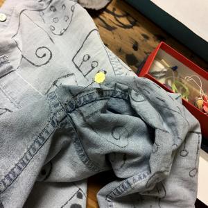 本日の繕い物 シャツの脇と裾