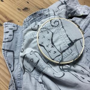 墨絵シャツを刺繍で埋め尽くす(1)繕い、改め…