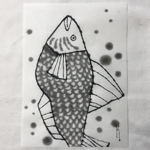 上を向く魚