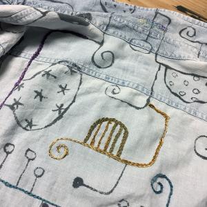 墨絵シャツを刺繍で埋め尽くす(10)シックにキメてみた