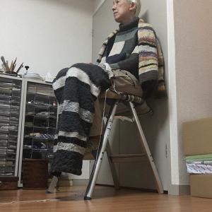 毛糸のパンツをひざ掛けに編み直す(10)半分でも役に立つ