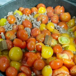 【ミニトマト/レシピ】鈴生りの夏野菜をミートソースにして美味しく大量消費!