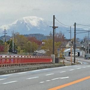 雪化粧の伊吹山