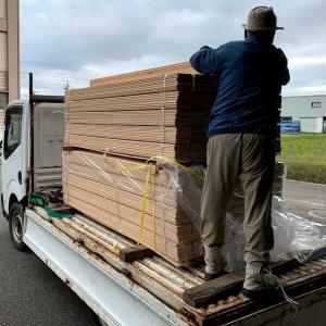 檜42坪入荷と縁甲板の塗装開始
