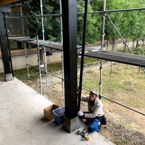 竪樋の取り付けも終わり、板金屋さんの全ての工事が完了