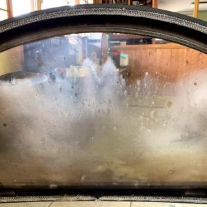 白くザラザラになった耐熱ガラスを磨く酸化セリウム研磨剤
