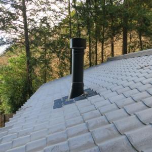 新館の屋根に取り付ける煙突はフラッシング仕様に決定した