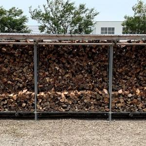 キャパ12立米の薪棚を一杯にする為の二日目と三日目