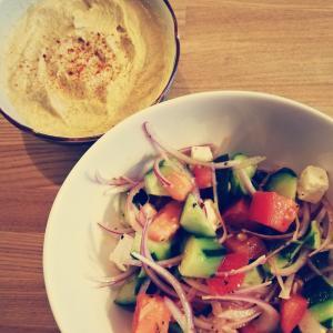 美味しいのにこんなに簡単♪フムスとグリークサラダの作り方