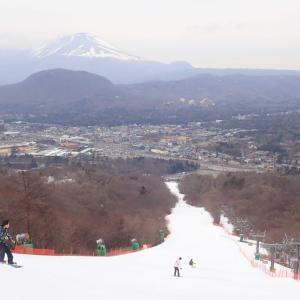 軽井沢プリンスホテルスキー場。浅間山へ滑る今日一は『浅間コース』!!